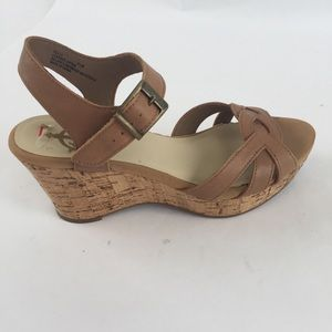 CROWN VINTAGE POLLY TAN WEDGE SANDALS